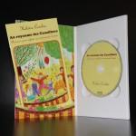 Digipak DVD avec livret inséré dans le rabat gauche (ouvert)